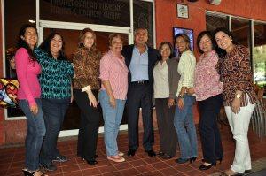 Medina y miembros de Apevex. Foto: José Carucí
