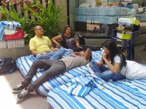 Periodistas de 6toPoder inician huelga de hambre luego que el Gobierno congeló las cuentas del medio,