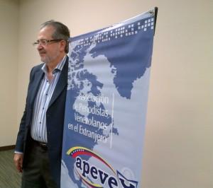 El director del diario El Nacional, Miguel Henrique Otero, en reunión con APEVEX.