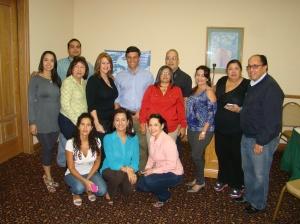 Varios de los afiliados a APEVEX con López. Foto: Miguel Mundo.